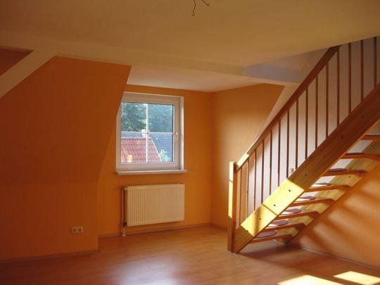 klausdorf gem tlich unter 39 m dach 3 zi maisonette mw mit laminat gro z gg vollbad stellplatz. Black Bedroom Furniture Sets. Home Design Ideas