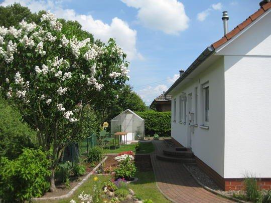 negast reserviert sonniger balkon 2 zi wohnung mit ebk vollbad im idyllischen gr nen. Black Bedroom Furniture Sets. Home Design Ideas