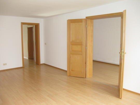 stralsund reserviert histor ambiente tolle 3 zi wohnung mit laminat duschbad und blick auf. Black Bedroom Furniture Sets. Home Design Ideas